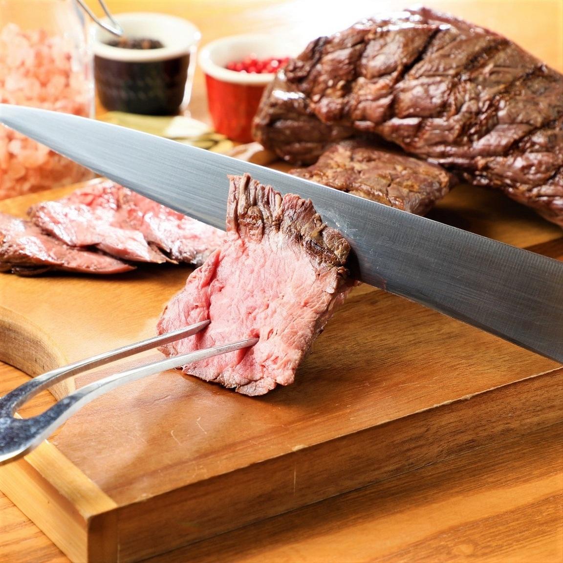 A5ランク黒毛和牛他、牛肉を使った豊富な肉料理