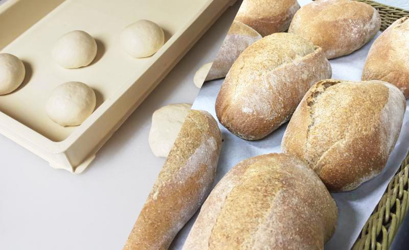 ピッツァ生地・パンの販売