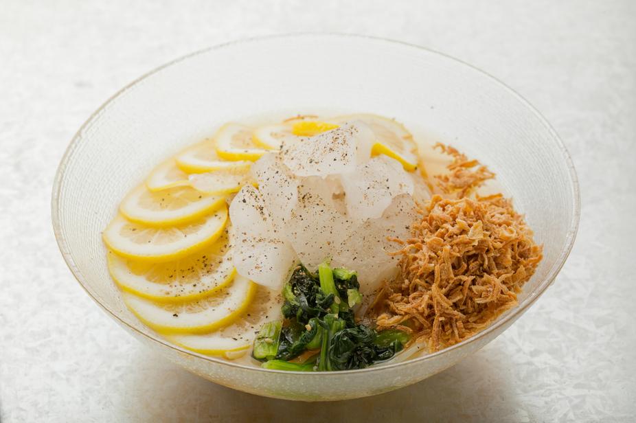 アラカルト料理も多数ご用意!レモン冷麺などもございます。