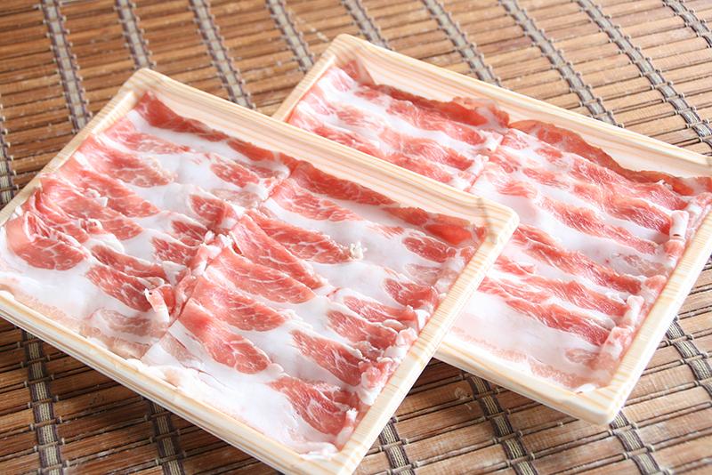 お肉は単品も追加購入OK、セット野菜やタレもあります