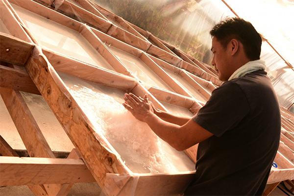 高知県中土佐町から日本一の天日塩を作り出したいという想いで製塩