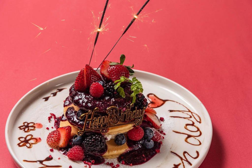 誕生日・記念日に最適!人気のパンケーキを使ったバースデイプレートプラン!