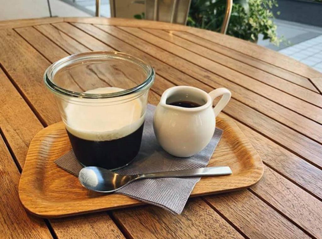 自家製ダークローストコーヒーで作った、贅沢な味わいのコーヒーゼリー。